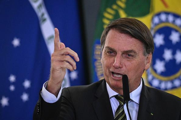 Bolsonaro cita Artigo 468 da CLT e gera polêmica